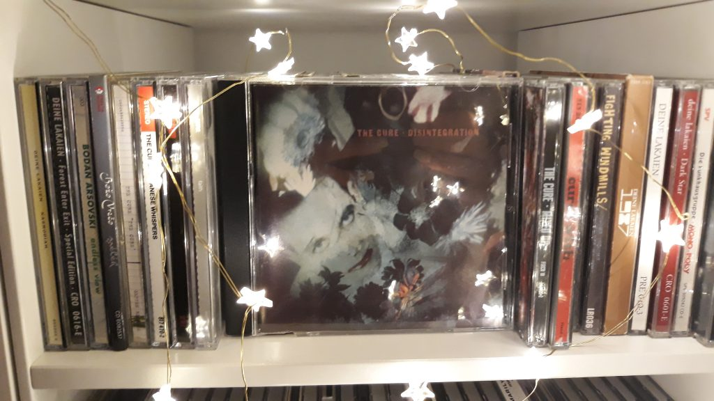 """Disintegration"" in meinem CD-Regal."